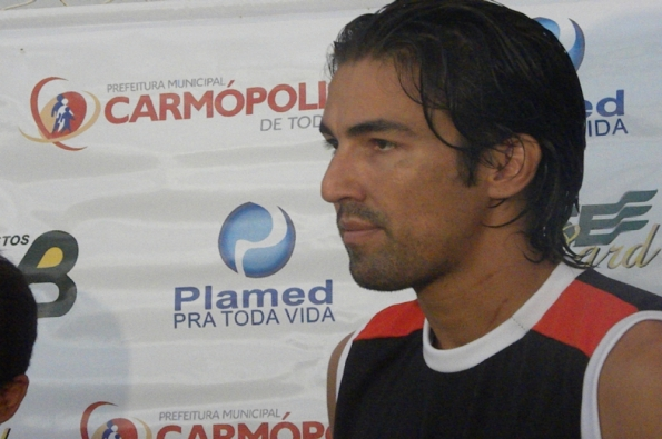 grande-leandro_riverplate_1_06032012